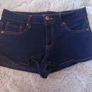 Forever 21 jean shorts size 29 (juniors)